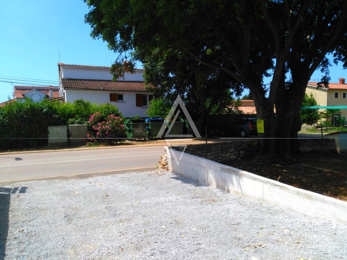 Building Land 1 Km from the Sea